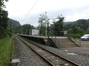 一日に5本しか列車の来ない駅、大前駅。