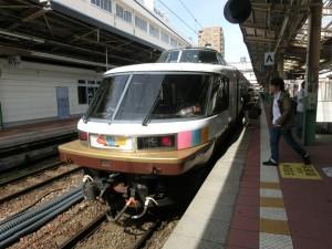 新潟駅に到着した埼大鐵研号